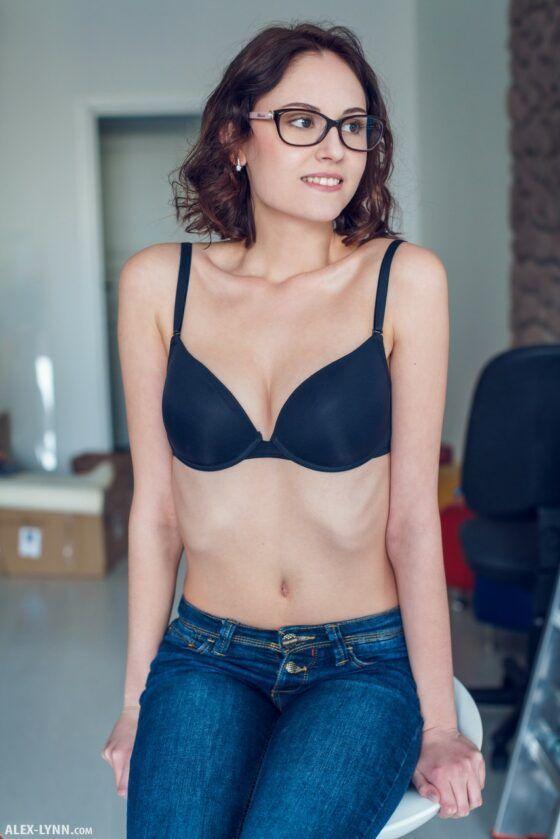 Fotos de novinha magrinha pelada